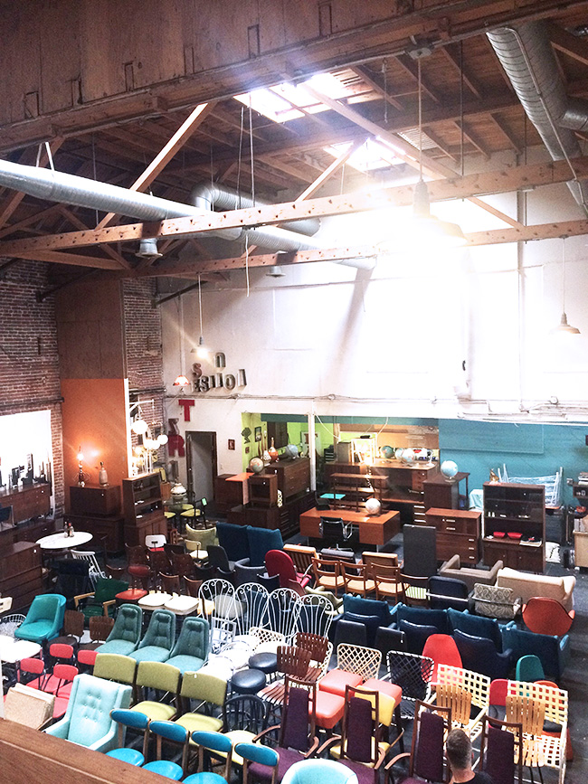 Best thrift and vintage stores in los angeles a vintage for Antique shops in los angeles