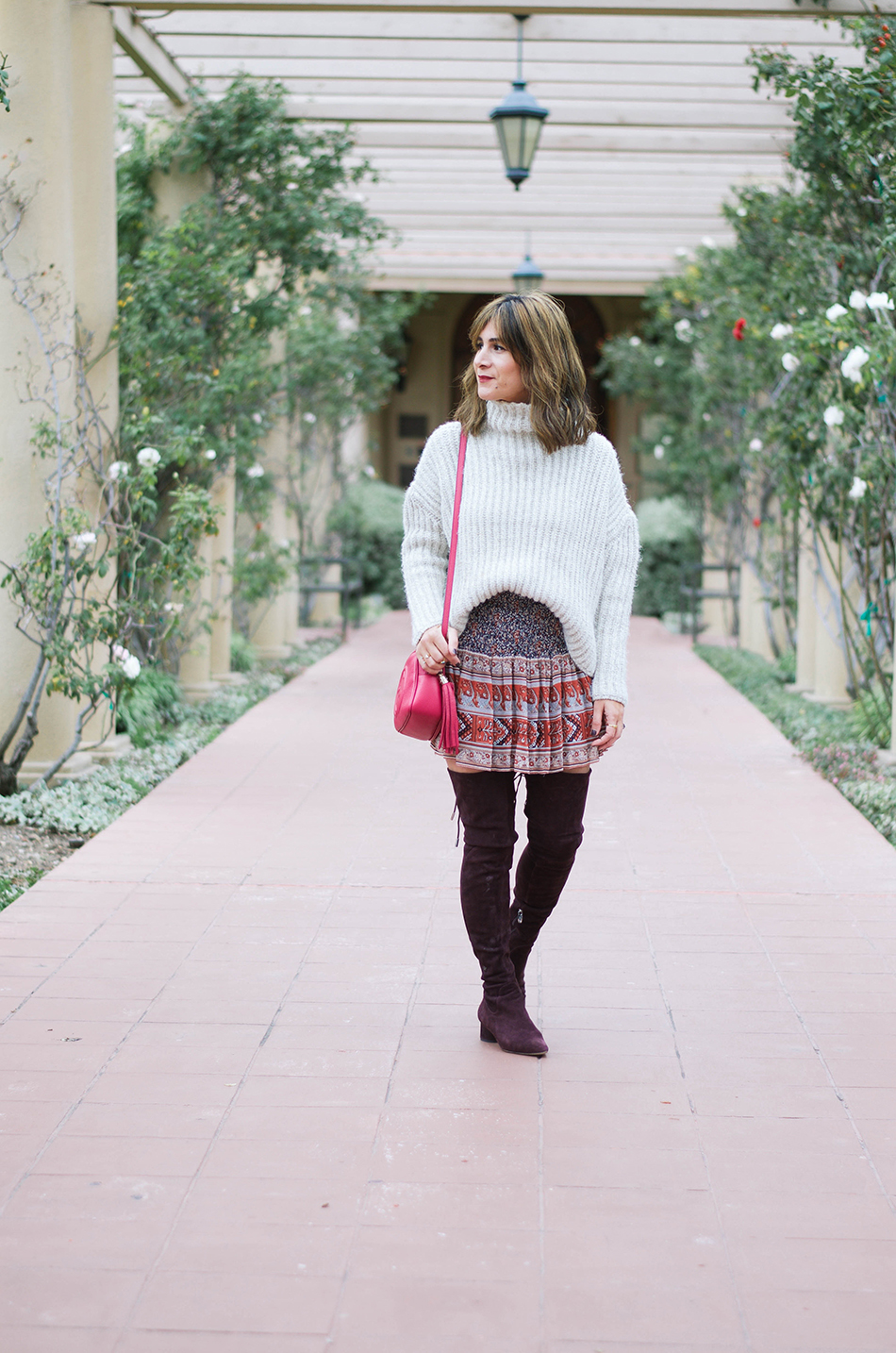 How To Wear A Chunky Sweater And Mini Skirt