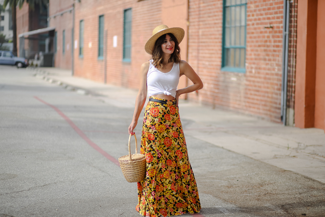 how to style a maxi skirt outfit ideas