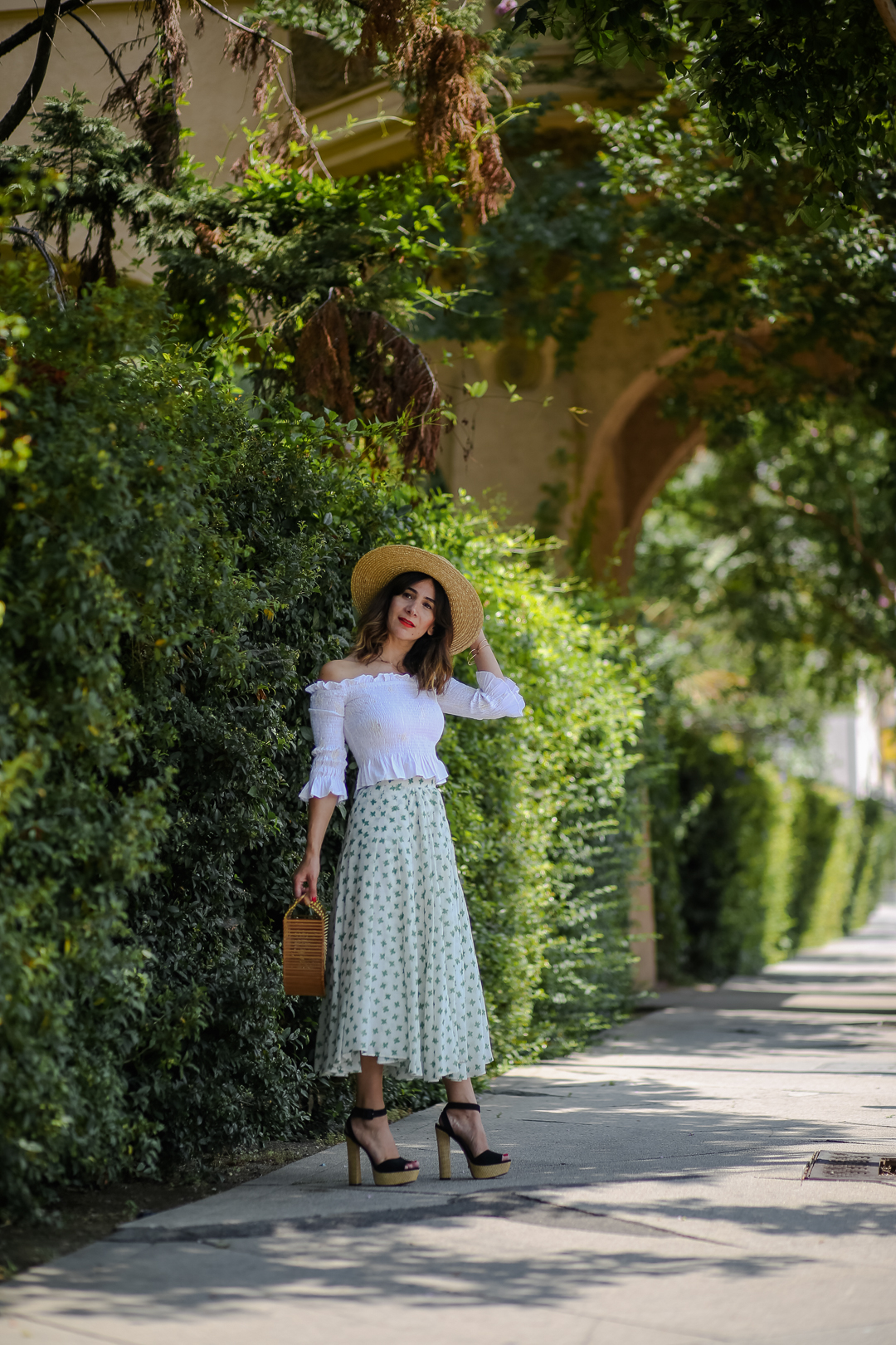 off the shoulder top outfit ideas for summer