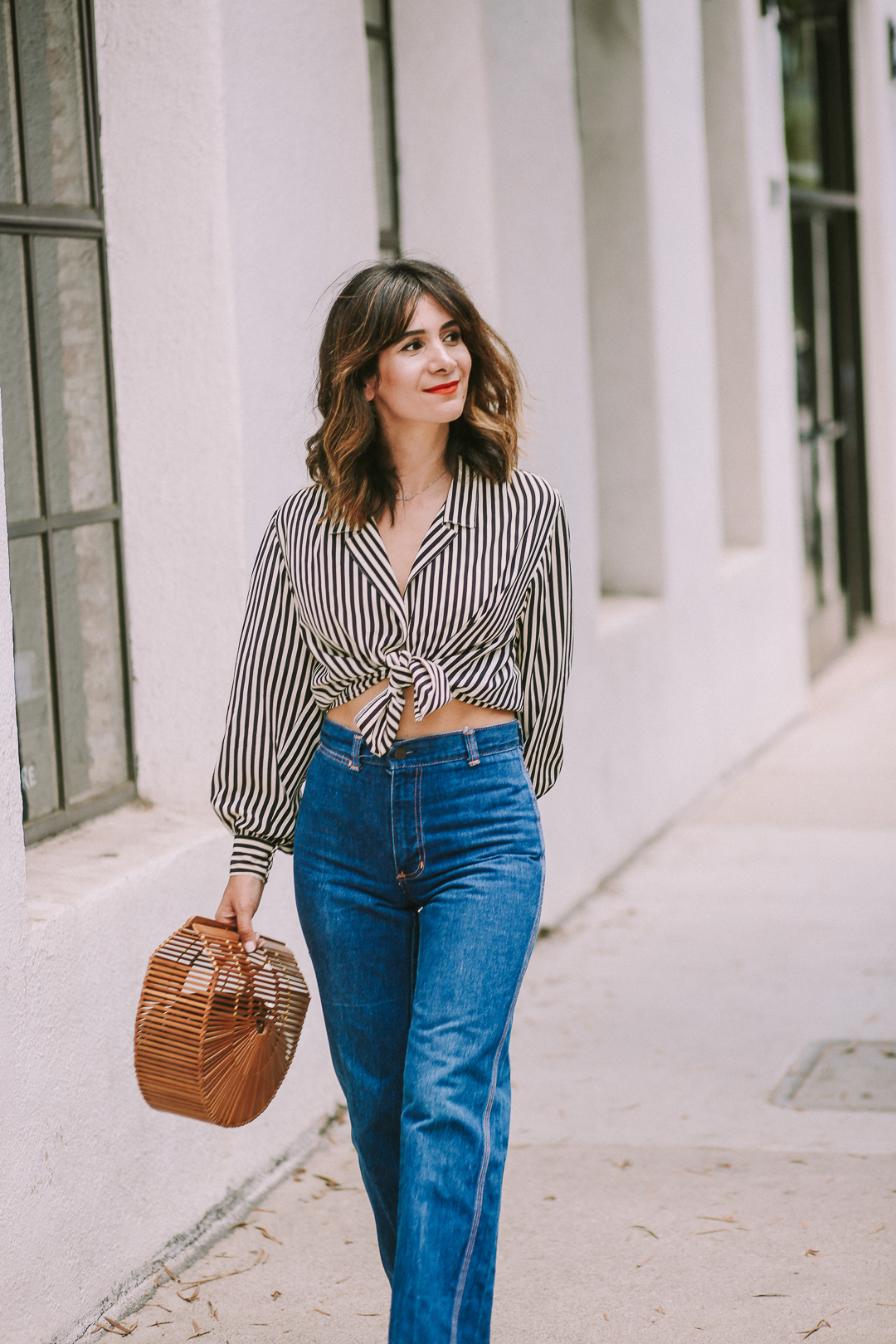 how to style high waist jeans with crop top