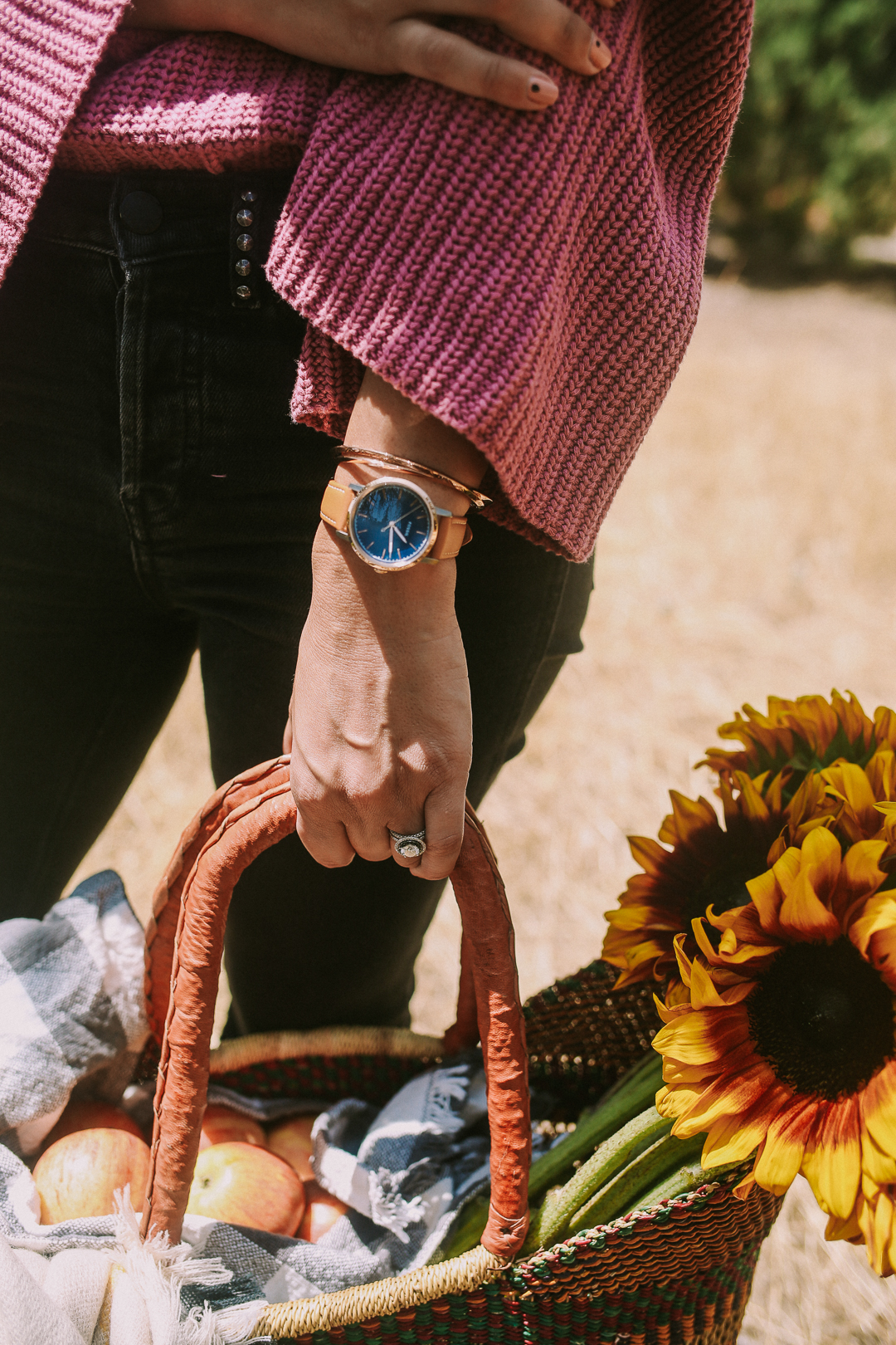 how to style a fall picnic ideas sunflowers