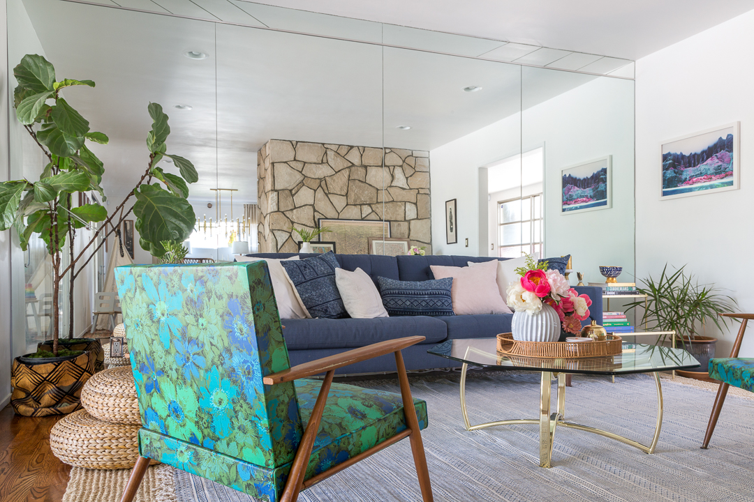 A vintage splendor shares her mid century modern eclectic for Modern eclectic living room