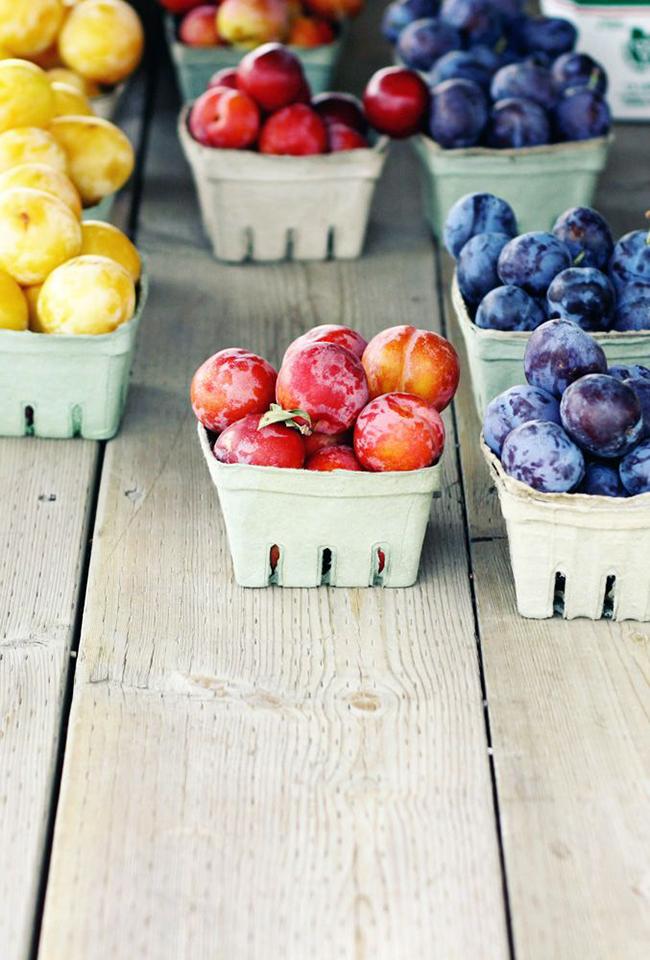 farmers market fruits
