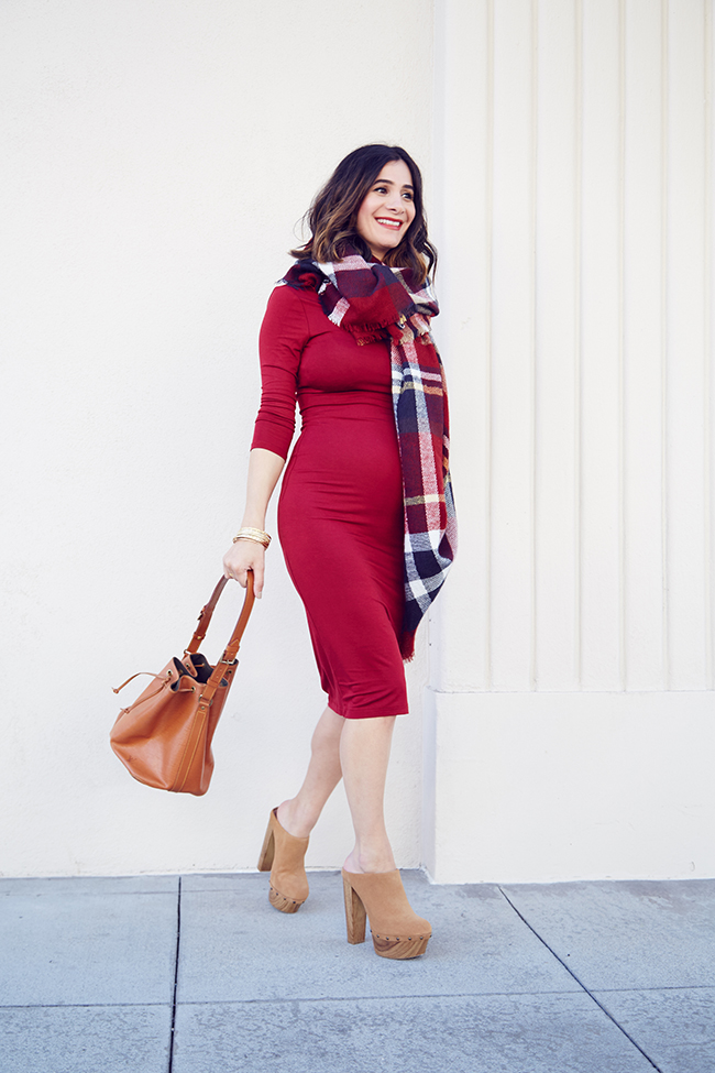 holiday maternity looks
