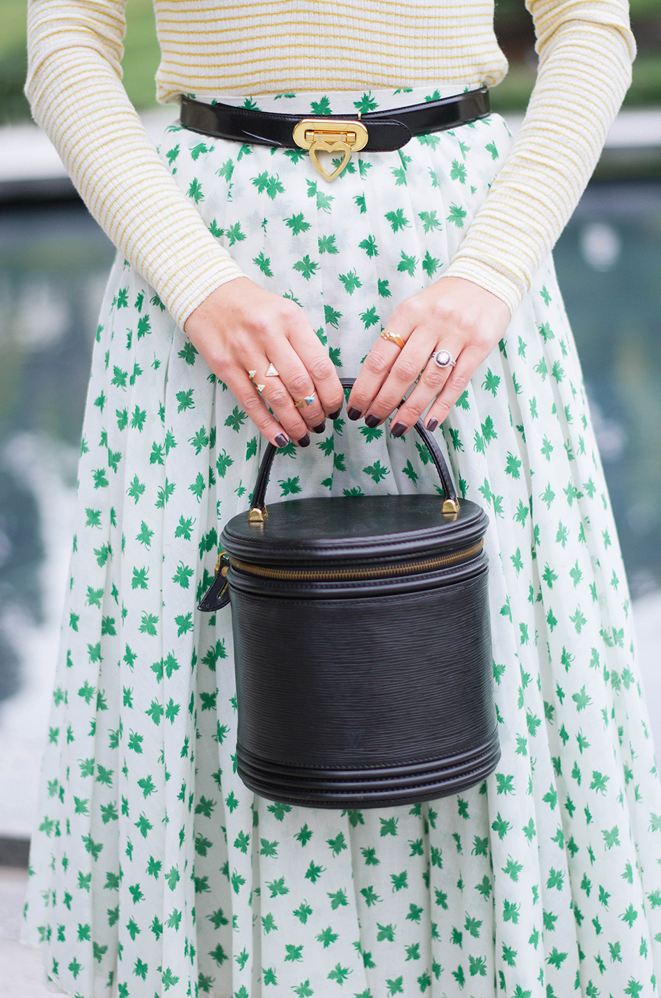 how to buy vintage bags
