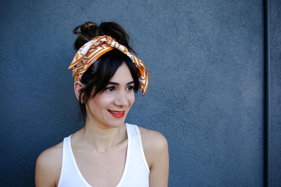 how to tie a scarf headband
