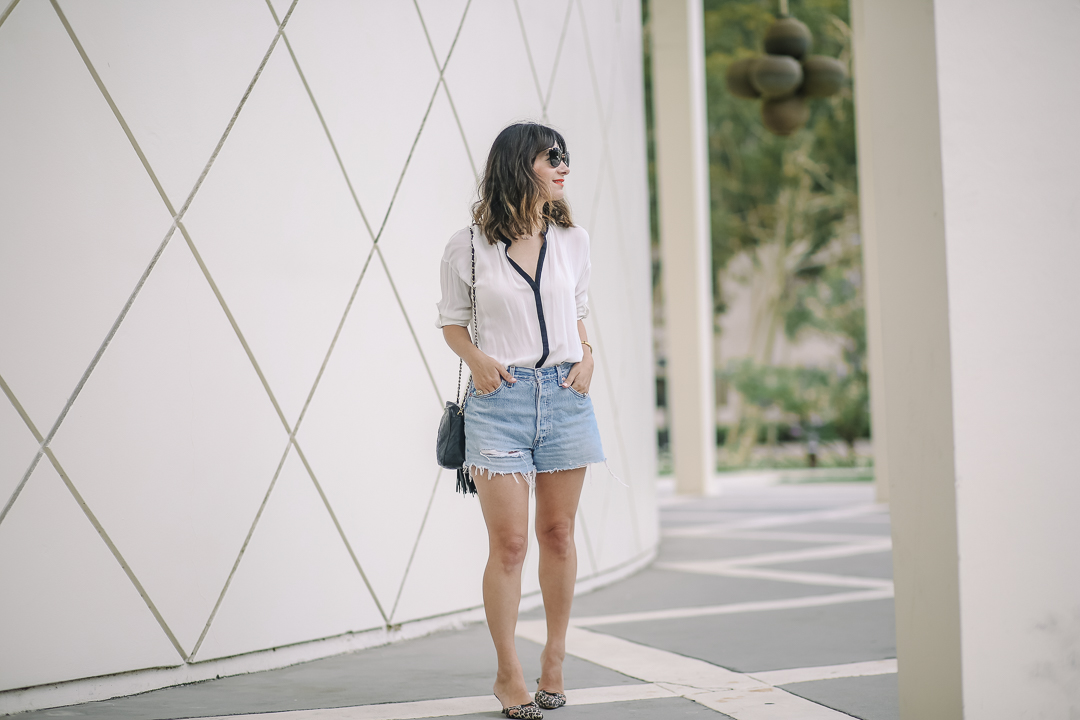 a vintage splendor wears manolo blahnik heels