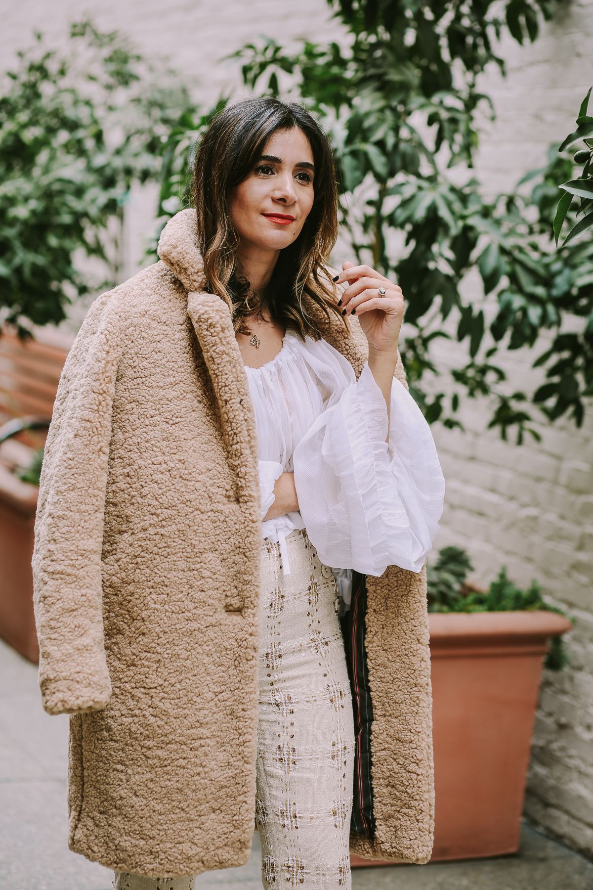 trendy fuzzy coat outfit ideas