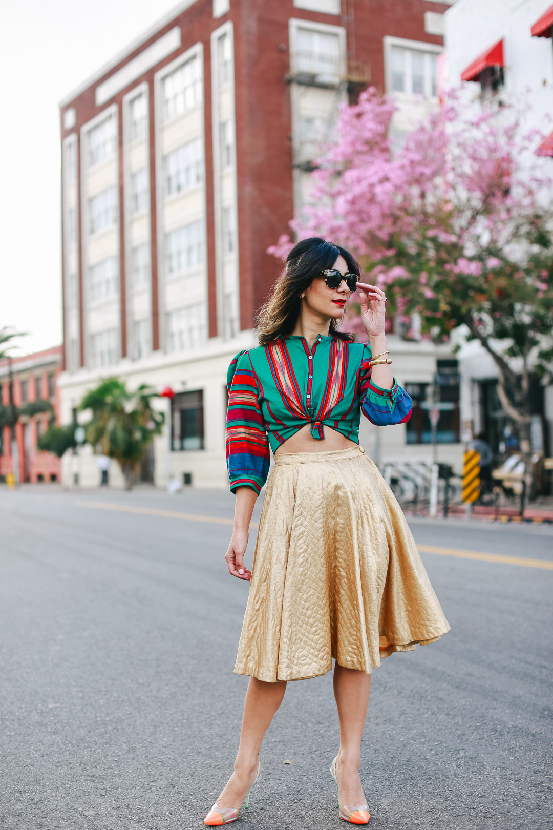 a vintage splendor shows us how to style a vintage gold skirt