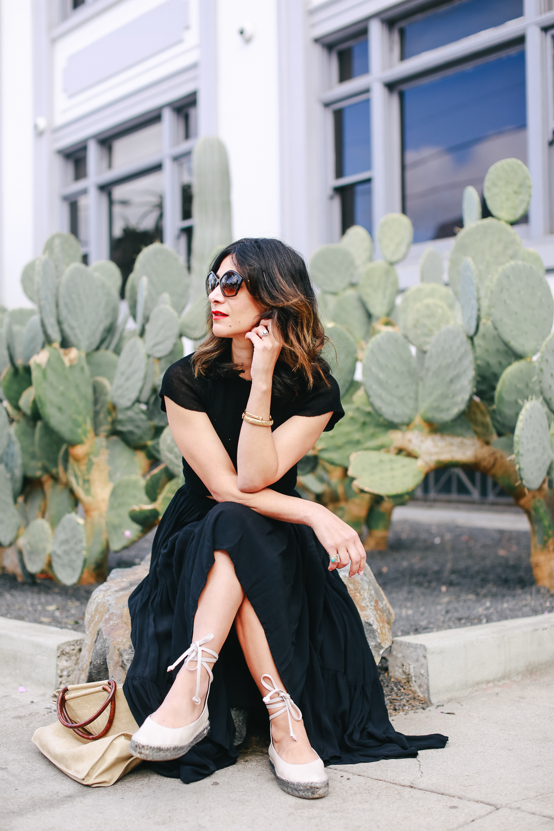 how to style a boho maxi skirt